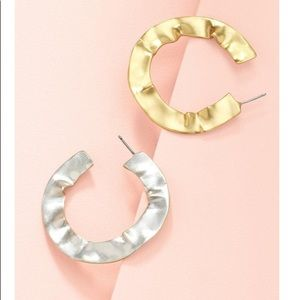 Stella $ Dot Wavy Hoop Earrings